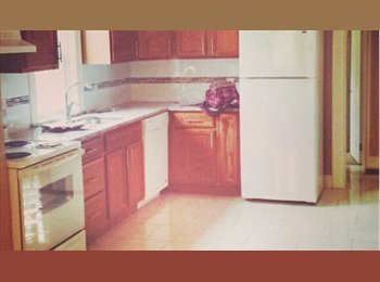 EasyRoommate CA - Room for Rent - Windsor, South West Ontario - $500