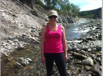EasyRoommate CA - Professional Female seeking female student - Calgary, Calgary - $650