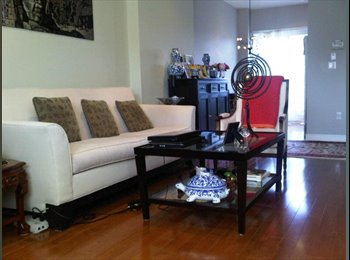 EasyRoommate CA - Leslie/Hwy 7 Luxury Townhouse Condo to Share - Toronto, Toronto - $600