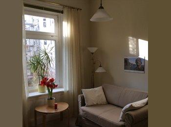 EasyWG DE - Wohn- und Schlafzimmer in freundlicher Altbauwhg. - Eppendorf, Hamburg - €400
