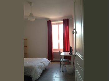 Appartager FR - Appartement neuf pour non fumeur en centre ville - Cœur de Ville, Nice - €450