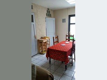 Appartager FR - Coloc Chambre meublée au centre de la madeleine - La Madeleine, Lille - €350