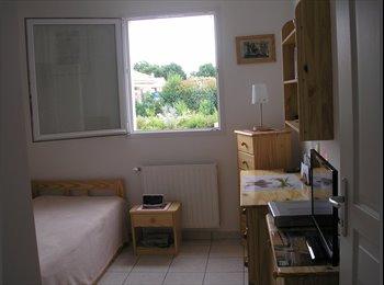 Appartager FR -  Chambre à louer chez habitant en colocation - La Roche-sur-Yon, La Roche-sur-Yon - €400