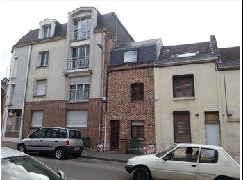 Appartager FR - Loue 2 chambres pour 2 colocataires ensemble - Amiens, Amiens - €250