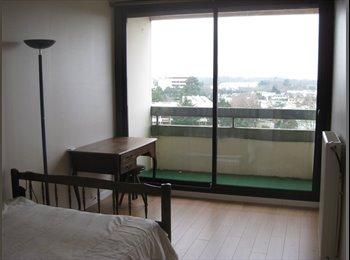 Appartager FR - Chambre meublée avec balcon - Pessac, Bordeaux - €400