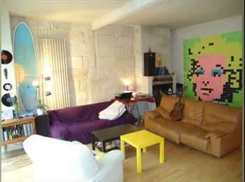 Appartager FR - Sous-loc d'une chambre dans super coloc un mois - Capucins - Victoire - St Michel - Ste Croix, Bordeaux - €440