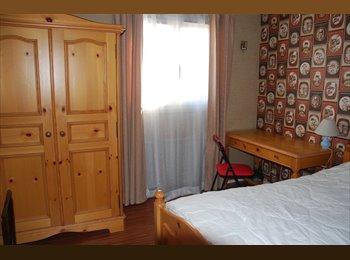 Appartager FR - CHAMBRE CHEZ L'HABITANT - Cergy, Paris - Ile De France - €390