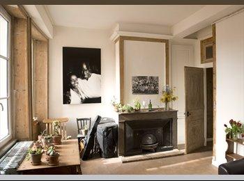 Appartager FR - Chambre Pentes Croix Rousse Rue René Leynaud - 1er Arrondissement, Lyon - €425