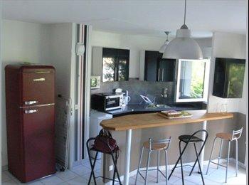 Appartager FR - Chambre à Louer :étudiant ou saisonnier à Bordeaux - Nansouty - St Genès - Simiot - Barrière de Toulous, Bordeaux - €294