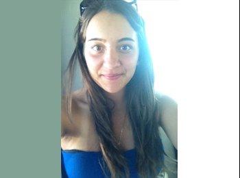 Amira - 19 - Etudiant