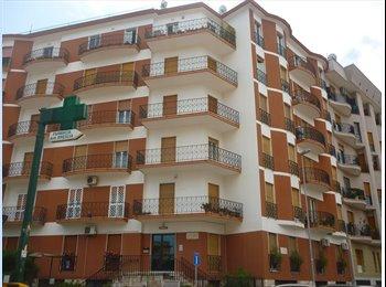 EasyStanza IT - studentessa camera singola - Carassi-Mungivacca, Bari - €225