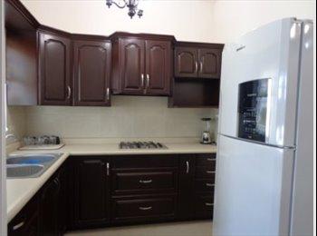Habitación disponible en zona privada. Centrika