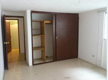Busco roomie, centro de Xalapa, $2200 mas depósito