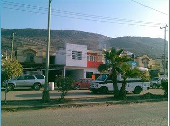 CompartoDepa MX - $370 Se renta casa y con opcion a local comercial - Tijuana, Tijuana - MX$5000