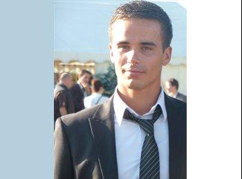 Benoit - 23 - Student