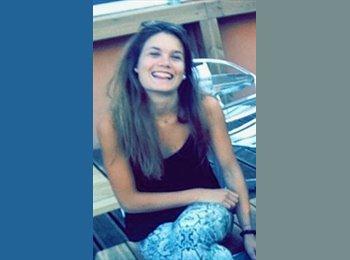 Mathilde - 20 - Student