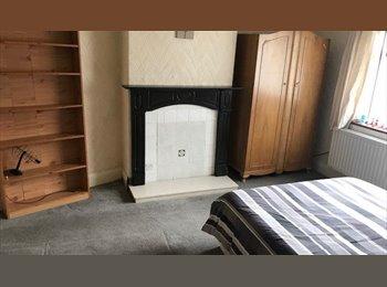 EasyRoommate UK - Room to let - Darlington, Darlington - £320