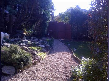 EasyRoommate UK - Double bedroom with en suit ,secluded bungalow - Bear Cross, Bournemouth - £375