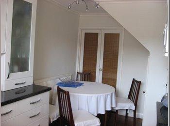 Clean, sunny Single Room in W London