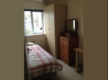 EasyRoommate UK - 2 single rooms with bathroom - Girton, Cambridge - £550