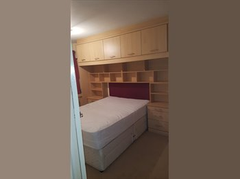 EasyRoommate UK - Single room available - Stafford, Stafford - £320