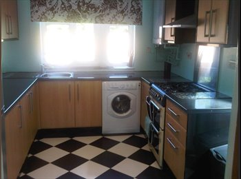 2 LARGE DOUBLE ROOM AND 1 WK DEPOSIT