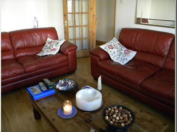 EasyRoommate UK - Double Room, North London (Piccadilly Line) - Palmers Green, London - £550