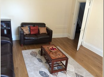 EasyRoommate UK -  Double room in Spacious House - St Judes, Plymouth - £325