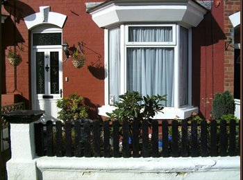 EasyRoommate UK - SINGLE ROOM IN HOUSE NEAR THE BEACH IN BRIDLINGTON - Bridlington, Bridlington - £310