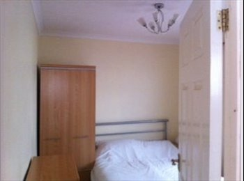 EasyRoommate UK - Double room in Cowley/Headington from April - Cowley, Oxford - £650