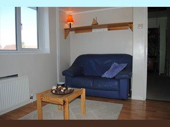 EasyRoommate UK - SPACIOUS ROOMS IN CLEAN MODERN HOUSE - Loose, Maidstone - £600