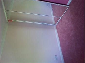 EasyRoommate UK - single room to rent - Basildon, Basildon - £300