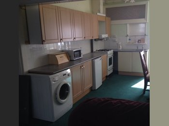 EasyRoommate UK - En-suite rooms to rent in shared house - Peasholm - Scarborough, Scarborough - £368