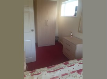 EasyRoommate UK - DOUBLE ROOM IN LOVELY HOME - Upper Parkstone, Poole - £450