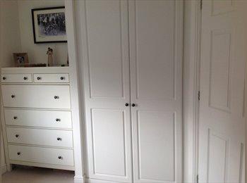 EasyRoommate UK - Clean double room with en suite - Sittingbourne, Sittingbourne - £498