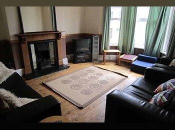 EasyRoommate UK - flatmate wanted - St Judes, Plymouth - £369