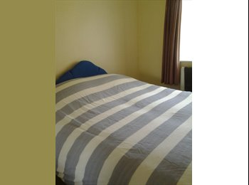 EasyRoommate UK - quiet room available great barr north birmingham - Great Barr, Birmingham - £300