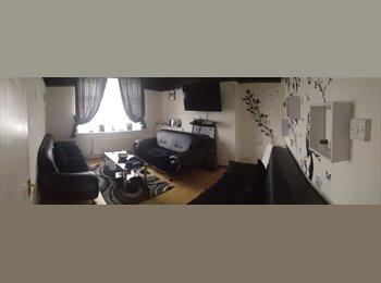 EasyRoommate UK - Double room to rent  - Hayes, London - £650