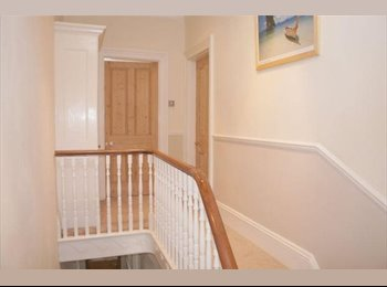 EasyRoommate UK - Double room close to city centre - all bills incl. - St Judes, Plymouth - £360