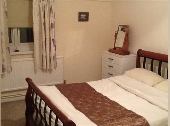 Furnished Room to Let with Study