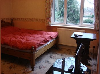 EasyRoommate UK - Studio Flat In Stevenage Old Town - Old Town, Stevenage - £500