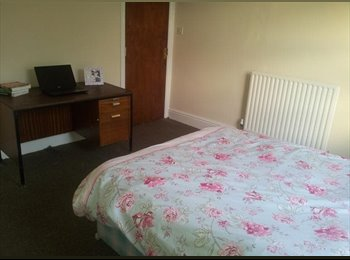 Large Room Available in West Bridgford