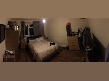 Large Double Room in Tooting Bec!