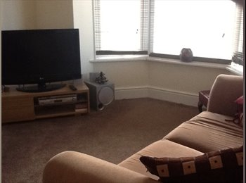 EasyRoommate UK - Rooms to rent in professional house - Weymouth, Weymouth and Portland - £500