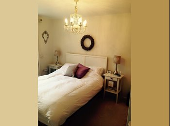 EasyRoommate UK - Beautiful double room available now - Mangotsfield, Bristol - £375