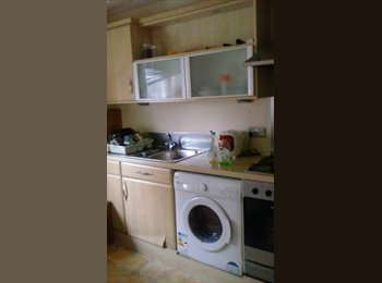 Large double room in city centre