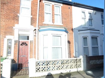 EasyRoommate UK - ROOMS AVAILABLE HB and STUDENT WELCOME - Fratton, Portsmouth - £350
