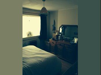 EasyRoommate UK - Double room available from June - Leck-hampton, Cheltenham - £420