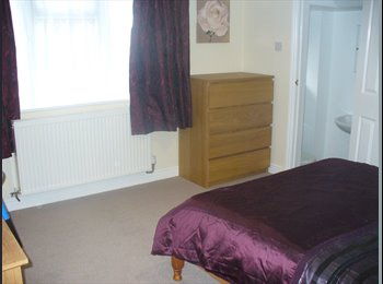 EasyRoommate UK - Brand New Detached, Double En-suites, Nr h - Stoke-on-Trent, Stoke-on-Trent - £433