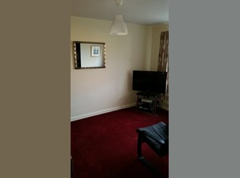 EasyRoommate UK - Recently re-furbished house looking for a lodger - Penwortham, Preston - £370